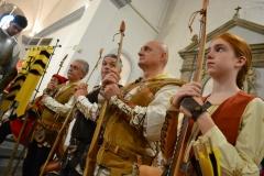 Arcieri Evangelisti in chiesa
